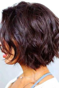 20 Short Bob Hairstyles For Women 2019 – Short Layered Bob Hairstyles 2019 Popular Short Hairstyles, Short Hairstyles For Thick Hair, Layered Bob Hairstyles, Best Short Haircuts, Hairstyles Haircuts, Short Hair Cuts, Curly Hair Styles, Cool Hairstyles, Bohemian Hairstyles
