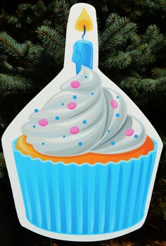 """How """"sweet"""" is this blue cupcake yard sign? Would look great along with your next Yard Card greeting!"""