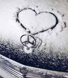 ideas for classic cars logo mercedes benz Mercedes World, Mercedes Sport, Mercedes Benz Logo, Mercedes Benz Cars, Audi Sport, Dog Car Accessories, Mercedes Benz Wallpaper, Bmw Wallpapers, Car Logos