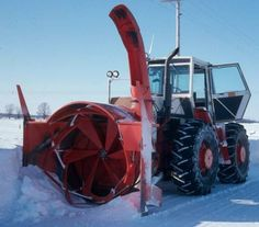 Snowblower on a Case 4490 or 4690 Case Ih Tractors, Old Tractors, Snow Vehicles, Snow Machine, Classic Tractor, Farm Toys, Snow Plow, Quites, Car Wheels