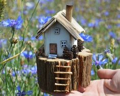 Handmade Litfle House made using weathered oak and reclaimed wood and hand painted using acrylics. Measures approx x Wooden Decor New Home Gift Little Wooden House Driftwood Art Small Home Decor Reclaimed Wood Home Accessories Decorativ House Rustic Home Driftwood Projects, Wooden Projects, Driftwood Art, Wooden Crafts, Small Wooden House, Wooden Cottage, Wooden Houses, Beach Crafts, Home Crafts