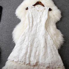 #dress #wedding #womenfashion #popular #lace Slim Fit Dresses, Nice Dresses, Flower Girl Dresses, Lace Dress, Dress Up, White Dress, Hat World, Types Of Women, Beautiful Outfits