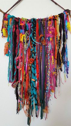 Yarn Wall Art, Yarn Wall Hanging, Diy Wall Art, Diy Art, Wall Hangings, Rope Crafts, Diy And Crafts, Arts And Crafts, Creative Textiles