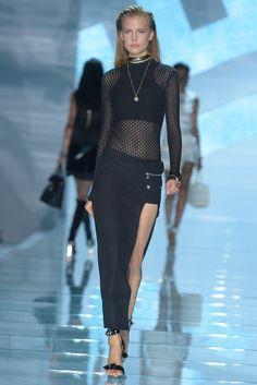 Versace RTW Spring 2015 - Slideshow - Runway, Fashion Week, Fashion Shows, Reviews and Fashion Images - WWD.com