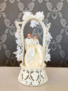 traditional wedding cakes Vintage Wedding Cake Toppers for Ideas 2020 - Wedding Ideas MakeIt - Vintage Wedding Cake Table, Wedding Cake Boards, Wedding Cake Rustic, Elegant Wedding Cakes, Vintage Weddings, Vintage Bridal, Wedding Cake Toppers Uk, Vintage Cake Toppers, Wedding Cake Designs