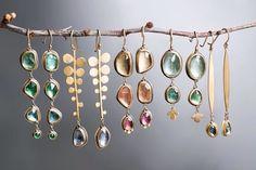 (My #cromotherapy)  Diamanti e pietre di colore, trasparenze, sfaccettature, la quantità infinita di colori ✨ . . . . . . . . . . . #earrings #fashion #gemstones #gemstonejewelry #trendy #diamond #gems #handcrafted #jewelrydesign #gypsysoul #orecchini #earring