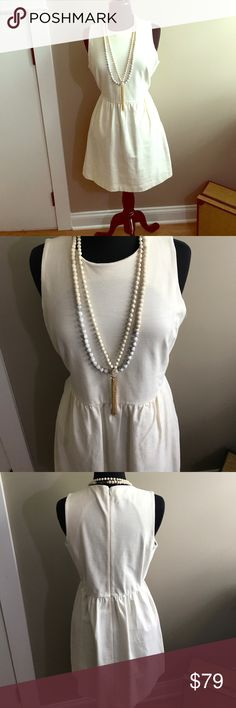 MadeWell A line spring dress sz L in offwhite Beautiful and practical! MadeWell offwhite A line dress. Easy to care for 97% cotton with 3% spandex for great fit. Sz large. Zip up back. 35' from top of shoulder to hem. (Necklaces not included.) Madewell Dresses