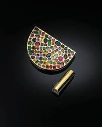 Duchess of Windsor's gem-set powder compact.