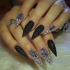 Pinkys nails, White tip nail designs. Sexy Nails, Glam Nails, Dope Nails, Fancy Nails, Bling Nails, Stiletto Nails, Beauty Nails, Sparkly Nails, Glitter Nails