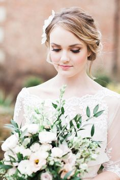Rose Quartz shoot Styling by Wedding Creations UK  Photography by Bowtie and Belle  http://bridalmusings.com/2016/06/english-garden-wedding/