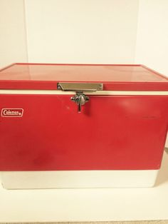 VINTAGE COLEMAN METAL Clad COOLER 1976 RED CAMPING COOLER ICE CHEST Photo Prop…