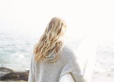 Free Spirit - Tousled, textured and so, SoCal. Look and feel like you are on a vacation high - even if you're thousands of miles from the nearest coastline. Hair Inspo, Hair Inspiration, Wavy Hair, Blonde Hair, Pretty Hairstyles, Beach Hairstyles, Men's Hairstyle, Funky Hairstyles, Formal Hairstyles