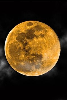 The Moon Was CRAZY Last Night & Instagram Was Loving It #refinery29  http://www.refinery29.com/2016/09/123520/harvest-moon-instagram#slide-5  Touched By An Angel's Roma Downey shared a NASA-worthy shot.If you missed the Harvest Moon, Downey's got the perfect picture for you and a suggestion with her hashtag: #leaveamessagewiththemoon....