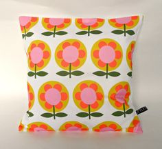 Cushion Pillow Cover Retro Modfloral Print by littleteawagon Cushion Pillow, Cushion Pads, Cushion Covers, Pillow Covers, Canvas Fabric, Cotton Canvas, Floral Cushions, Fabric Design, Throw Pillows
