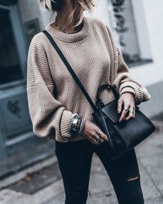 to combine oversize sweater properly 10 best-oversize pulli richtig kombinieren 10 besten to combine oversize pullover properly 10 best – - Looks Street Style, Looks Style, Fall Winter Outfits, Autumn Winter Fashion, Winter Clothes, Autumn Fall, Spring Outfits, Oversize Pullover, Oversized Sweaters