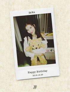 This December TWICE's japanese member Sana (Minatozaki Sana) is celebrating her Birthday ! Happy Birthday To Us, 22nd Birthday, Kpop Girl Groups, Korean Girl Groups, Sana Cute, Sana Minatozaki, Fandom, Twice Sana, Im Nayeon