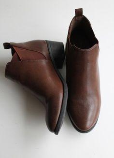 À vendre sur #vintedfrance ! http://www.vinted.fr/chaussures-femmes/bottines/55567507-bottines-marrons-petits-talons-gemo-t39