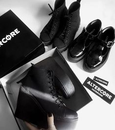 ALTERCORE (@altercore) • Zdjęcia i filmy na Instagramie Nu Goth, All Black, Black And White, Comfy Shoes, Alternative Girls, Rock Style, Grunge Outfits, Platform Shoes, High Heels