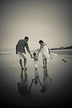 christmas pictures on the beach ideas family | Family - Daytona Beach image by Rekkid, courtesy of CC 2.0.