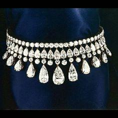 @diamondgirl1975  A 115ct internally D flawless diamond choker by Alexandre Reza.