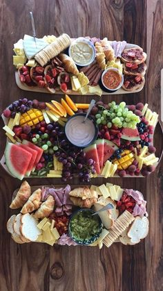 Ideas For Fruit Party Platters Antipasto Snack Platter, Party Food Platters, Charcuterie Platter, Party Trays, Snacks Für Party, Appetizers For Party, Appetizer Recipes, Fruit Appetizers, Antipasto Platter