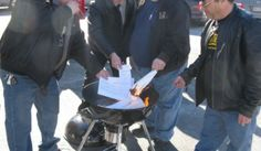 NY Gun Owners Burn Nearly A Thousand Gun Registration Forms To Protest State's New Gun-Control Laws3/17>>>
