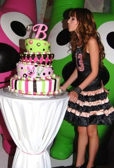party ideas   Birthday Party Ideas For Teenage Girls How great the color cake of the theme