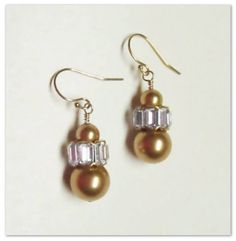 Gold Pearl Vintage Earrings by Dolcejewels on Etsy, $30.00 Gold Pearl, Vintage Earrings, Drop Earrings, Pearls, Trending Outfits, Unique Jewelry, Handmade Gifts, Etsy, Fashion