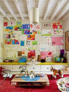 http://www.elementsofstyleblog.com/wp-content/uploads/2013/01/9-miranda-brooks_16413357680.jpg