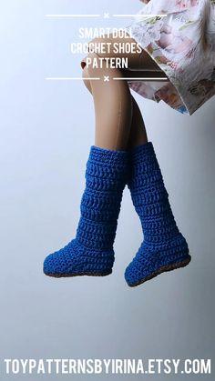 Crochet Shoes Pattern, Shoe Pattern, Crochet Patterns, Smart Doll, Doll Tutorial, Doll Shoes, Doll Furniture, Diy Doll, Doll Accessories
