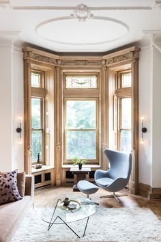 Kiki Dennis - a Park Slope brownstone - desire to inspire - desiretoinspire.net - Fritz Hansen egg chair