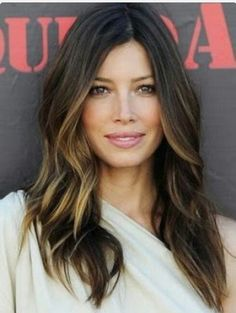 6 tips for giving yourself incredible at home hair highlights dark hair with highlights underneath pictures 4 solutioingenieria Gallery