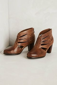 Butterfliege booties #anthropologie These would be so great with fun tights.