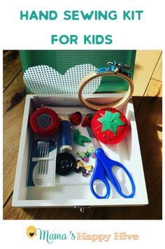 Fine Motor Activities for Kids: SEWING. A simple DIY hand sewing kit for kids with a list of materials so that you can create your own kit for those spur of the moment sewing opportunities! Craft Kits For Kids, Sewing For Kids, Diy For Kids, Sewing Ideas, Sewing Machine Projects, Sewing Projects For Beginners, Kid Projects, Fine Motor Activities For Kids, Toddler Crafts