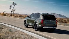 Kia's New Telluride SUV Is Big Enough For Your Whole Family : The new, 2020 Kia Telluride is the biggest SUV ever made by Kia, offer enough room to accommodate eight occupants in comfort. Mazda Cx 9, Kia Motors, Small Suv, Pre Production, City Car, Luxury Suv, Cadillac Escalade, Car Images, Commercial Vehicle