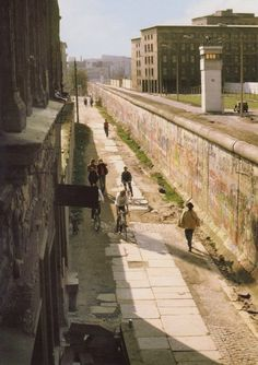 This was how it looked when I lived in Berlin in the It's just a couple of hundred metres along from Checkpoint Charlie (as was). East Germany, Berlin Germany, Germany Area, Berlin Hauptstadt, Checkpoint Charlie, Europe, Berlin Wall, Historical Pictures, Cold War