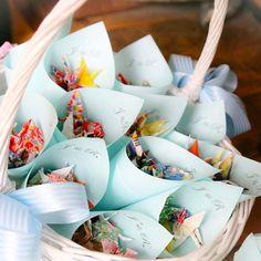 弟の結婚式。折り鶴シャワーでお祝い✨ 目標上回る数に彩り綺麗なシャワーになりました✨ #結婚式 #神前式 #折り鶴シャワー #ちよがみ #たいへんよくできました