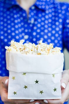 Easy Last Minute DIY Popcorn Bags for the Fourth of July Fourth Of July Food, 4th Of July Party, July 4th, Movie Night Party, Party Time, Festa Party, Diy Party, Party Ideas, Diy Ideas