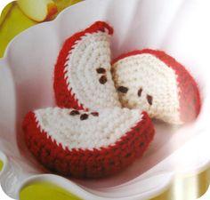 Little Worm free crochet pattern by Suncatcher Craft Eyes