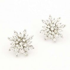new 2015 Fashion Korean sweet Snowflake earrings Stud Earrings For Women accessories Jewelry Brincos Grandes Wholesale Charm Jewelry, Jewelry Sets, Women Jewelry, Silver Jewelry, Starburst Earrings, Crystal Earrings, Cheap Earrings, Women's Earrings, Fashion Earrings