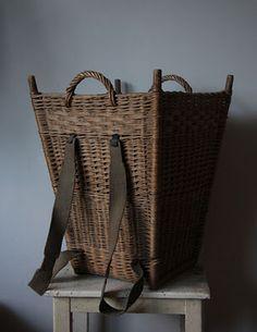 Basket for ur back Old Baskets, Vintage Baskets, Wire Baskets, Willow Weaving, Basket Weaving, Bountiful Baskets, Basket Bag, Weaving Art, Wicker