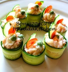 15 Minute Recipe - Crab Salad Wrapped in Cucumber Recipe - How are you today? How about making 15 Minute Recipe - Crab Salad Wrapped in Cucumber? Appetizer Dishes, Great Appetizers, Cucumber Recipes, Sushi Recipes, Food Design, Crab Salad, Potato Salad, Salad Wraps, 15 Minute Meals