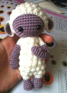 Описание овечки, связанной крючком по мотивам игрушек Lalylala.