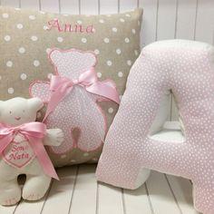 """Cuscino per la cameretta #Orsetto #Tilda"""" Cuscino lettera Il tuo bimbo è speciale e noi di Bebuù lo sappiamo! Ecco perchè proponiamo per lui creazioni handmade uniche realizzate pensando al tuo amore ! Vieni a trovarci su www.bebuu.it siamo sicuri che te ne innamorerai!  #instagood #novemesi #rosa #instadaily #instalike  #fashion #cute #adorable #love #kids #baby #diy  #instababy #lotrovisubebuu #ciaobebuu #handmade #fattoamano  #modabimbi #instalove #boy #girl #amigurumi  #gift #shopping…"""