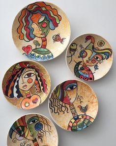 Arts And Crafts – abcconcpt Ceramic Painting, Fabric Painting, Ceramic Art, China Painting, Pottery Painting Designs, Art Diy, Madhubani Art, Painted Plates, Plate Art
