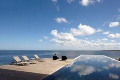 Swim and sky Estudio Palma | Carlos Ott