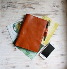 This honey brown cover is made of the fine soft Italian leather and is meant to protect your planner - it will become the perfect accessory for it! Leather Notebook, Leather Journal, Small Notebook, Notebook Ideas, Creative Notebooks, Sticker Organization, Gifts For Colleagues, Stationary Supplies, Pen Case