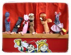 Marionetas: La ratita presumida. Puppets: The conceited little rat.