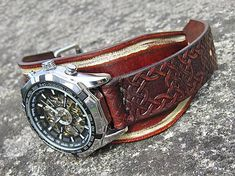 leon / Hnedo-bieky kožený remienok s hodinkami