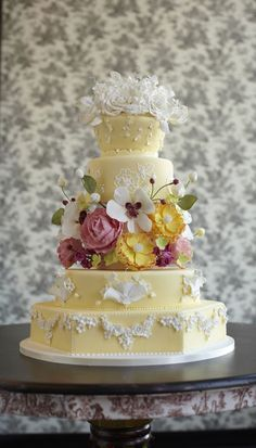 Beautiful Cake Pictures: Elegant Vintage Yellow Wedding Cake: Cakes with Flowers, Wedding Cakes, Yellow Cakes